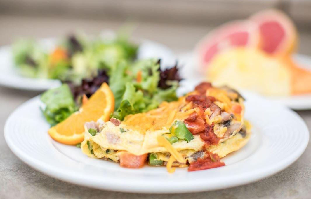 Free made to order Breakfast in Honolulu, Hawaii Hotel