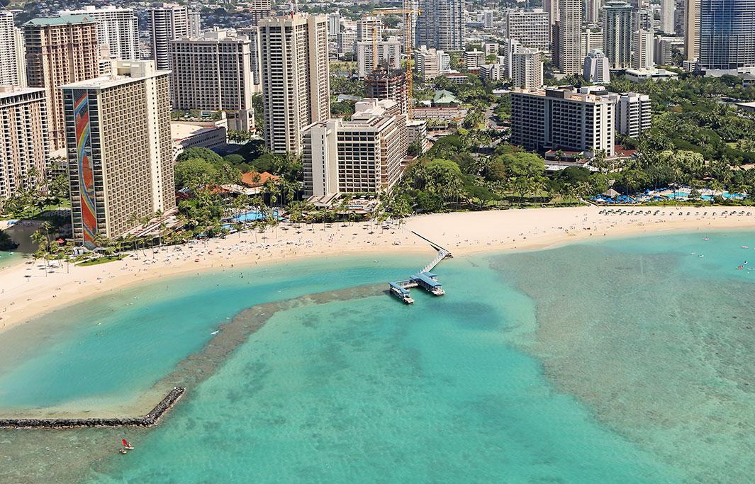 Duke Kahanamoku Beach of Honolulu, Hawaii Hotel
